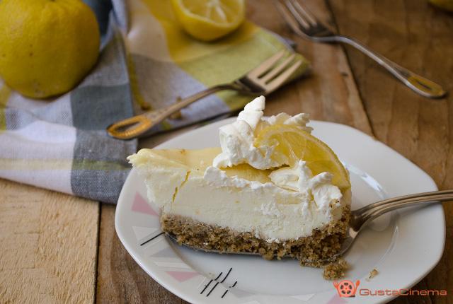 Torta fredda al limone e cioccolato bianco