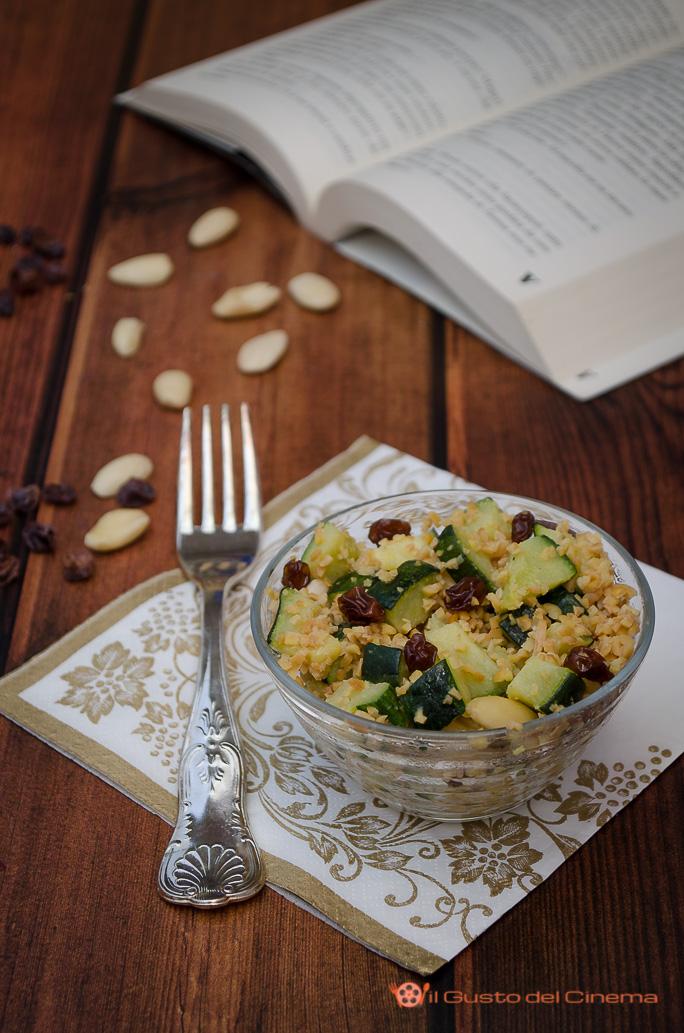 Bulgur di soia con zucchine uvetta e mandorle