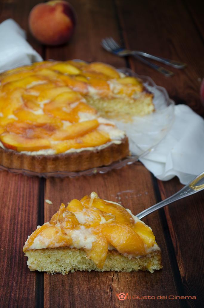 Crostata morbida alle pesche con crema al limone