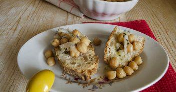insalata di ceci e cipolle