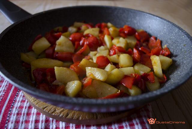 padellata di patate e peperoni alla paprika