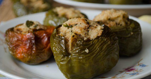 peperoni verdi ripieni al forno