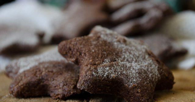 Biscotti stella al cacao