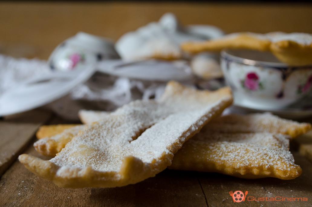 Chiacchiere o crostoli di carnevale