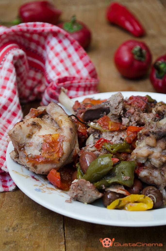 Coniglio con peperoni e olive