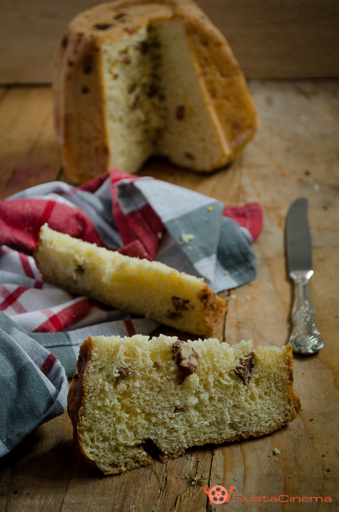 Pandoro rustico con salame e scamorza