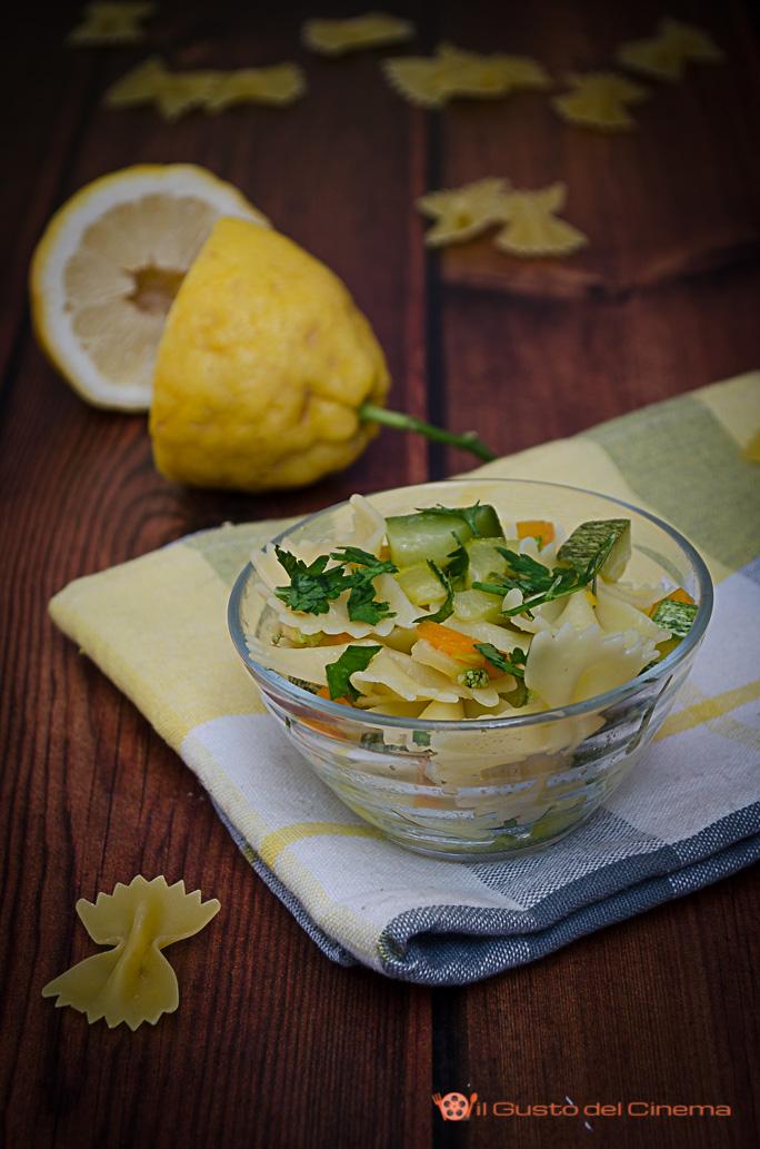 Pasta con zucchine, carote e limone