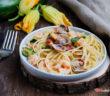 Linguine zucchine gamberetti e vongole