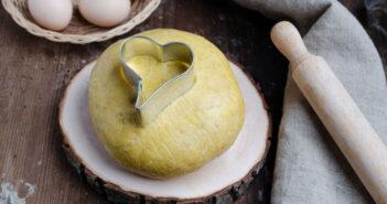 Pasta frolla al farro e olio di cocco